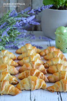 Barbi konyhája: Kiflicskék Ciabatta, Canapes, Cantaloupe, Picnic, Bakery, Rolls, Bread, Dinner, Fruit