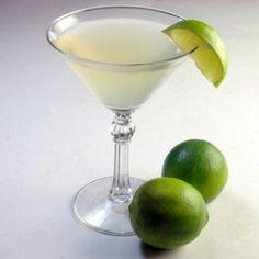 Classic Lime Daiquiri #drinks #alcohol #cocktail #recipe