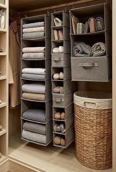 59 DIY Clever Closet Design Organization Ideas Trending Right Now - Best Picture For house ideas For Your Taste You are looking for something, and it is going to tel - Home Organisation, Storage Organization, Apartment Closet Organization, Organization Ideas For The Home, Organising Ideas, Dorm Room Storage, Small Space Organization, Diy Storage, Makeup Organization