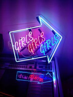 Cultivates — Chris Bracey- the neon man- who has created signs. San Junipero, Neon Licht, New Retro Wave, Neon Glow, Purple Aesthetic, Aesthetic Gif, Black Mirror, Neon Lighting, Vaporwave