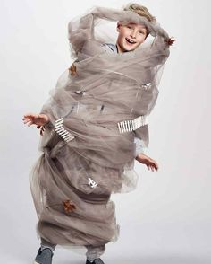 tornado costume You are in the right place about kids costumes toddler Here we offer you the most be Halloween Dress Up Ideas, Best Diy Halloween Costumes, Homemade Costumes, Creative Halloween Costumes, Vintage Halloween, Halloween Makeup, Halloween Halloween, Vintage Witch, Newborn Halloween