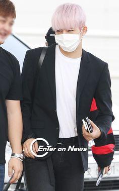 S.Coups 에스.쿱스 || Choi Seungcheol 최승철 || Seventeen || 1995 || 178cm || Leader || Main Rapper || Vocalist
