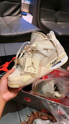 Moda Sneakers, Cute Sneakers, Shoes Sneakers, Sneaker Heels, Cute Nike Shoes, Nike Air Shoes, Jordan Shoes Girls, Girls Shoes, Sneakers Fashion