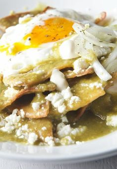 Chilaquiles Manifesto ~Yes, more please! - The Best Authentic Mexican Recipes Comida Latina, Authentic Mexican Recipes, Mexican Food Recipes, Mexican Breakfast Recipes, Authentic Food, Mexican Desserts, Good Mexican Food, Latin Food Recipes, Vegetarian Mexican