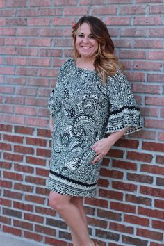 Lightweight and super versatile! This neutral tunic is so easily dressed up or down, and looks great paired with bold jewelry!