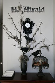 It's that time of the week again! I can't wait to get a dose of autumn inspiration! Here are my fall-related projects this past week. I know it's a little early, but I couldn't help making a little Halloween vignette with my nevermore tree. I don't usually decorate for Halloween, but this 1 spot is …