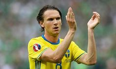 Albin Ekdal Photos - Albin Ekdal of Sweden applauds the supporters after the UEFA EURO 2016 Group E match between Republic of Ireland and Sweden at Stade de France on June 2016 in Paris, France. - Republic of Ireland v Sweden - Group E: UEFA Euro 2016 Sweden Football, Today In Pictures, 2016 Pictures, Uefa Euro 2016, International Football, European Championships, Republic Of Ireland, Referee, Pitch