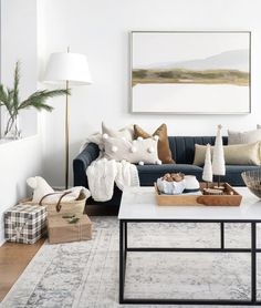 Pillow combination guide by Leclair Decor. Shop these beautiful pillow combinations from LD Shoppe. Navy Living Rooms, Paint Colors For Living Room, My Living Room, Living Room Interior, Home And Living, Living Room Furniture, Living Room Decor, Style At Home, Decoration Inspiration