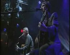 Best. Ever. Paul Weller plays That's Entertainment with Noel Gallagher