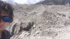 Unterwegs am Khumbu-Gletscher am Mount Everest Base Camp Trek in Nepal. Mount Everest Base Camp, Everest Base Camp Trek, Nepal