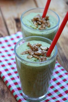 Mango- oh avokadosmoothie Smoothie Drinks, Smoothies, A Food, Mango, Oatmeal, Pudding, Snacks, Breakfast, Desserts