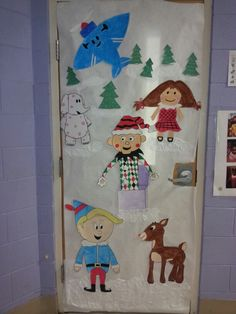 Class Door Decorations, Office Christmas Decorations, Christmas Crafts, Holiday Decor, Christmas Door Decorating Contest, Hallway Decorating, Decorating Ideas, Classroom Crafts, Classroom Door