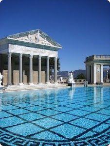 Me voy por un rato y los dejo con una de las mejores piscinas del mundo, ranking que no se quien hizo.   Pero.... vamos???   Más fotos de Cassia Laran