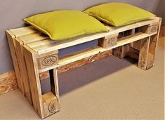 This very stable bank is made of recycled Euro pallet. The pallet . Pallet Bar Plans, Pallet Bench, Diy Pallet Furniture, Living Room Bench, Dining Table With Bench, Wooden Garden Benches, Wooden Pallets, Industrial Bench, Palette Projects