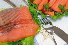 Необычный способ приготовления соленой красной рыбы…в морозилке! - life4women.ru
