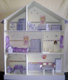 Imagen de http://mla-s1-p.mlstatic.com/casita-de-munecas-barbie-pintada-y-decorada-4079-MLA125052537_9202-F.jpg.
