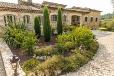 Beautyful property in natural Stone #Opio  Only minutes from the old village of Valbonne. High quality renovation for this large villa with 4 bedrooms and an office.   The villa offers floor heating, video surveillance, Jacuzzi in the master bedroom, heated pool with swimming against the current and a home theater.  Ground floor: Kitchen https://aiximmo.ch/?p=186826  #frenchriviera #cotedazur #mallorca #marbella #sainttropez #sttropez #nice #cannes #antibes #montecarlo #