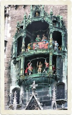 Discover Rathaus-Glockenspiel in Munich, Germany: Daily jousts and dancing barrel makers in Munich's mechanical clock. Places Around The World, Oh The Places You'll Go, Places To Travel, Places To Visit, Around The Worlds, Travel Sights, Munich Germany, Visit Germany, Bavaria Germany
