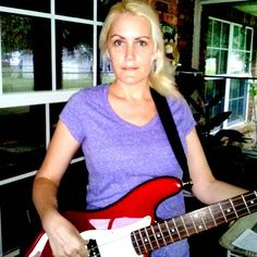 Keri with Fender redbass