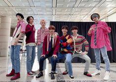 Pentagon Members, Loving U, Christmas Sweaters, Kimono Top, Collection, Tops, Women, Pentagon Hongseok, Group Photos