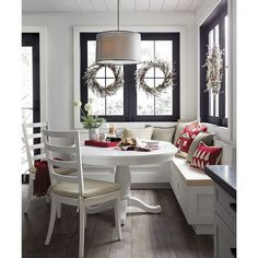 45 Rumors, Lies and Banquette Seating in Kitchen Breakfast Nooks Coin Banquette, Banquette Seating In Kitchen, Kitchen Benches, Dining Table In Kitchen, Booth Seating In Kitchen, White Round Kitchen Table, Built In Dining Room Seating, Dining Tables, Corner Booth Kitchen Table