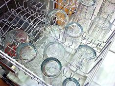 Homemade Dishwasher Detergent 1 c washing soda or baking soda 1 c borax c kosher salt citric acid, lemon juice, 3 drops of dishwahing soap c vinegar Diy Cleaning Products, Cleaning Solutions, Cleaning Hacks, Cleaning Supplies, Homemade Dishwasher Detergent, Dishwasher Tabs, Dish Detergent, Diy Cleaners, Cleaners Homemade