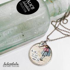 Steel necklace with Alice in Wonderland - Collana in acciaio con ciondolo Alice in di LeleleleCreations