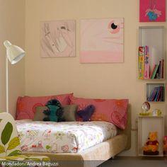 Junge Mädchen möchten sich gerne ausprobieren, das gilt auch für ihre Zimmer. Farben und Muster werden bunt gemischt, so dass ein abwechslungsreicher Mix entsteht.…