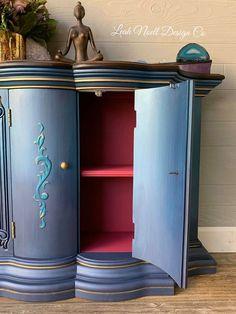 I'm loving this secret POP of pink! Furniture Fix, Diy Furniture Projects, Hand Painted Furniture, Repurposed Furniture, Furniture Makeover, Painting Furniture, Colorful Furniture, Unique Furniture, Home Decor Hacks