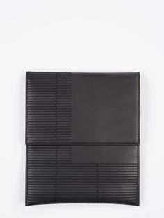 RICK OWENS RICK OWENS SS14 VICIOUS MEDIUM SIZED CASE IN BLACK LEATHER WITH GEOMETRICAL RECTANGLE EMBROIDERY DETAILS HAS A DOUBLE ZIP CLOSURE. * COLOR: BLACK. * MATERIAL: 100% COW