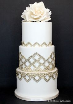 Every details nested in these gorgeous wedding cake designs from Cakes by Konstadin couldn& be more effortlessly elegant and timeless. Amazing Wedding Cakes, Elegant Wedding Cakes, Elegant Cakes, Wedding Cake Designs, Amazing Cakes, Gorgeous Cakes, Pretty Cakes, White And Gold Wedding Cake, Metallic Cake