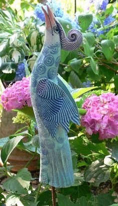 """PARADIESVOGEL """"WICHTIGTUER"""" türkis-blau von Werkstatt für Gartenkeramik Brigitte Peglow auf DaWanda.com"""