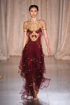 Marchesa Spring 2013 Ready-to-Wear Runway - Marchesa Ready-to-Wear Collection - ELLE Style Couture, Couture Fashion, Runway Fashion, Marchesa Fashion, Beautiful Gowns, Beautiful Outfits, Gorgeous Dress, Look Fashion, Fashion Design