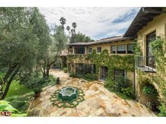 Christina Aguilera's New Mansion In Beverly Hills