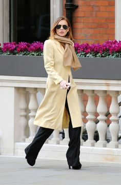 Lindsay Lohan Steps Out Looking Chic #InStyle