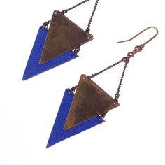 """Boucle d'oreille Bleu outremer CHEYENNE triangle métal / cuir  - Collection """"L'été Indien"""""""
