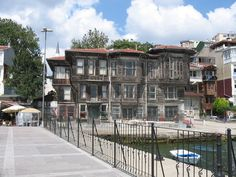 Old wooden house on the Bosphorus. (Yali)