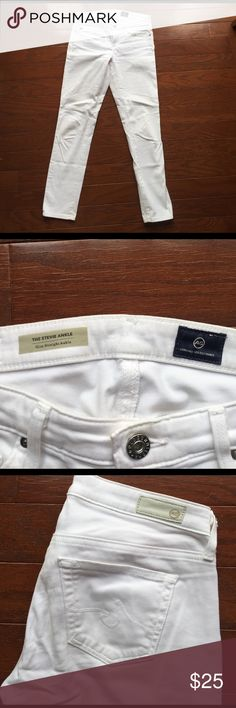 "AG Stevie Ankle White Skinny jeans/pants Size 25 White cotton skinny pants (NOT DENIM), super soft material. AG (Adriano Goldschmied) size 25R.  Fit is ""slim straight ankle"" AG Adriano Goldschmied Pants Skinny"