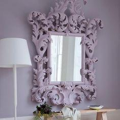 Cornice lilla per specchio da camera