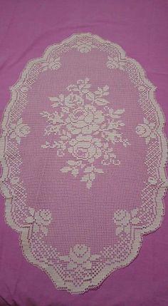 Filet Crochet Charts, Crochet Doily Patterns, Crochet Doilies, Crochet Roses, Fillet Crochet, Rose Bouquet, Outdoor Blanket, Holiday Decor, Elsa