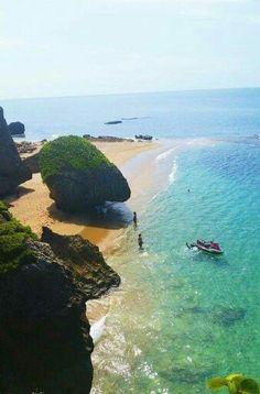 Survival beach Aguadilla, Puerto Rico