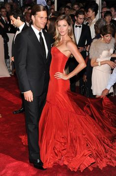 Pin for Later: 75 Moments Inoubliables du Met Gala Gisele Bündchen et Tom Brady — 2011