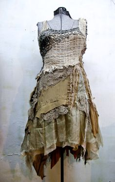 ~ Reaping A Brave New Life ~ Swampy dress by Selene Gibbous. looks like a good start for a peasant Ren outfit. Ropa Shabby Chic, Boho Fashion, Womens Fashion, Fashion Design, Dystopian Fashion, Post Apocalyptic Fashion, Dress Up, Beautiful Disaster, Altered Couture