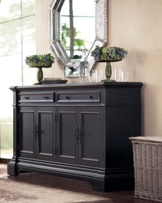 For the stylishly organized. Beautiful for an entrance foyer!! And functional too!
