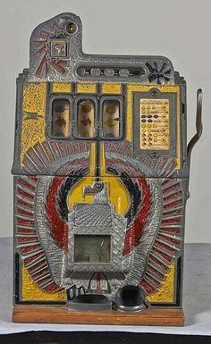 5 ¢ War Eagle Slot Machine Mills 1931 Gambling Machines, Vending Machines, Einarmiger Bandit, Vintage Slot Machines, Fun Fair, Arcade Machine, Room Wallpaper, Gumball, Amusement Park