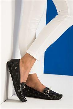 Kadın Pierre Cardin Siyah Bayan Ayakkabı || Siyah Bayan Ayakkabı Pierre Cardin Kadın                        http://www.1001stil.com/urun/3418989/pierre-cardin-siyah-bayan-ayakkabi.html?utm_campaign=Trendyol&utm_source=pinterest