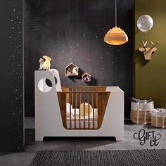 On adore le noir...c'est chic ! #deco #chambreenfant #shopping #noir #interieur