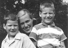 Christopher Reeve (left) with his mother and brother Benjamin