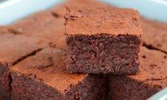 Brownies z červené řepy Healthy Deserts, Brownies, Desserts, Food, Cake Brownies, Tailgate Desserts, Health Desserts, Deserts, Essen
