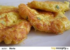 Celerové lívance recept - TopRecepty.cz Vegetable Side Dishes, Vegetable Recipes, Vegetarian Recipes, Low Carb Recipes, Cooking Recipes, Healthy Recipes, Czech Recipes, Salty Foods, Fast Dinners